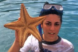 girls with starfish